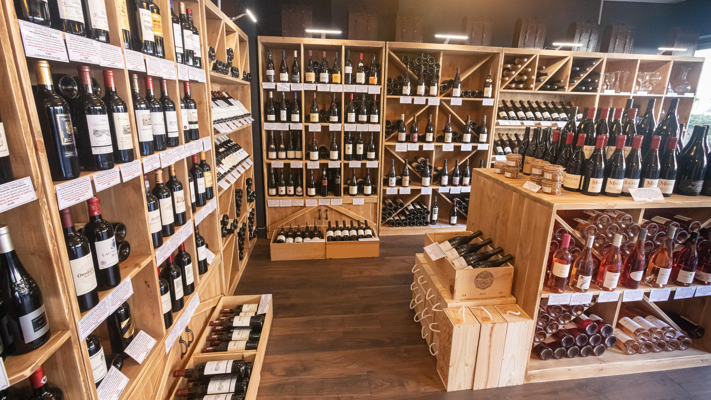 Cave vin Emelyne